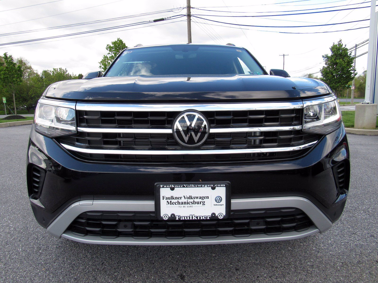 New 2021 Volkswagen Atlas 2.0T SE with Technology