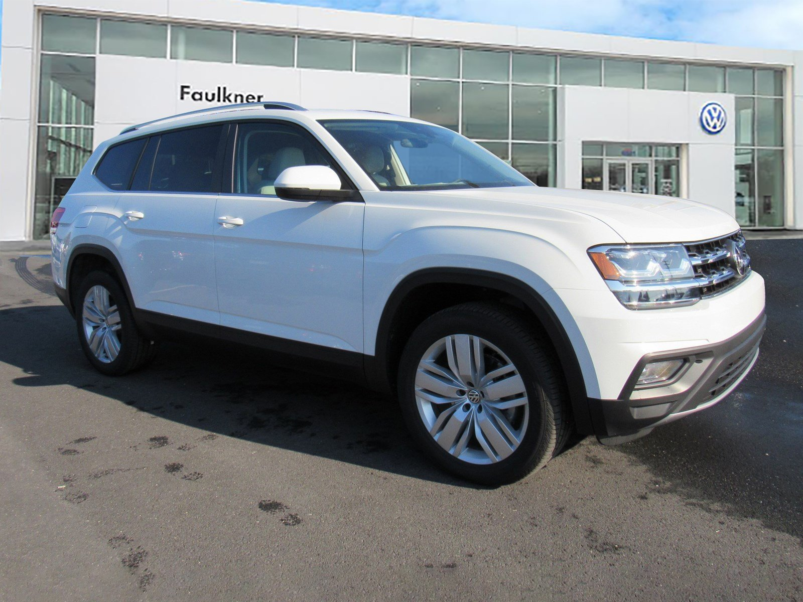 New 2019 Volkswagen Atlas 3.6L V6 SE with Technology