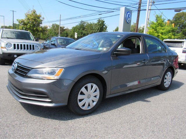 Certified Pre-Owned 2016 Volkswagen Jetta Sedan 1.4T S with Technology