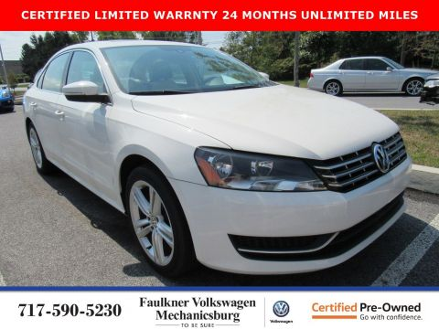 Certified Pre-Owned 2014 Volkswagen Passat TDI SE with Sunroof