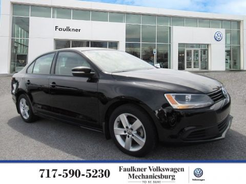Pre-Owned 2011 Volkswagen Jetta Sedan TDI LE
