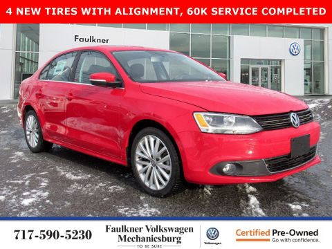 Certified Pre-Owned 2014 Volkswagen Jetta Sedan TDI with Premium/Nav