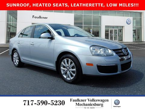Pre-Owned 2010 Volkswagen Jetta Sedan SE