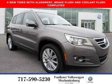 Pre-Owned 2011 Volkswagen Tiguan SEL 4Motion